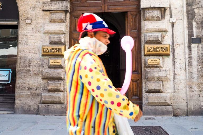 www.simonhawkinspictures.com